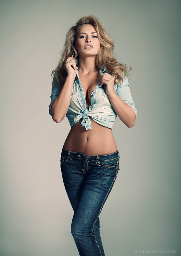 JEANS EDITORIAL Women    // lionsmag.com - premium nude photography magazine