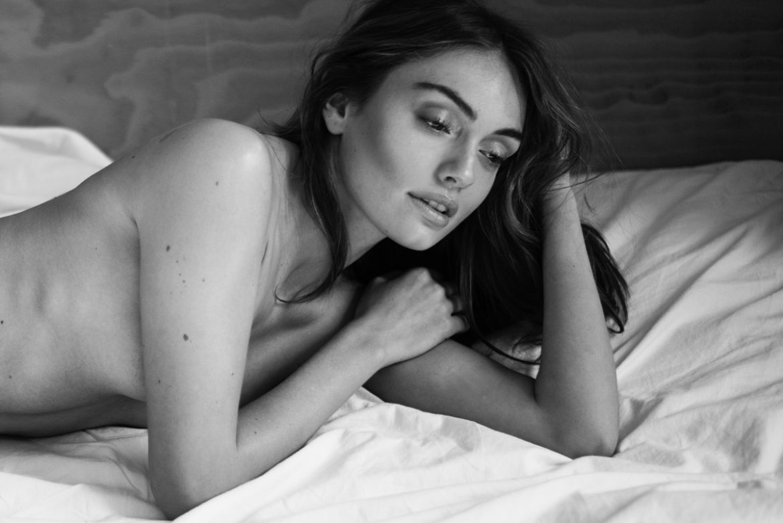 Stay Women  photoshooting photography lionsmag fashion model editorial body art body blackandwhite Aleksandra Modrzejewska   // lionsmag.com - premium nude photography magazine