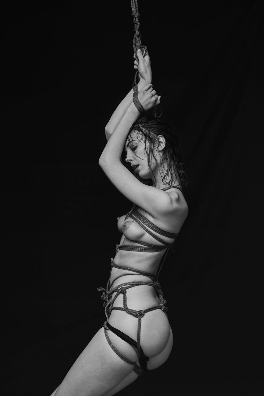 Ropes Women  ropes photoshooting photography photographer Nicolas Guérin model lionsmag lions magazine editorial bondage blackandwhite art   // lionsmag.com - premium nude photography magazine