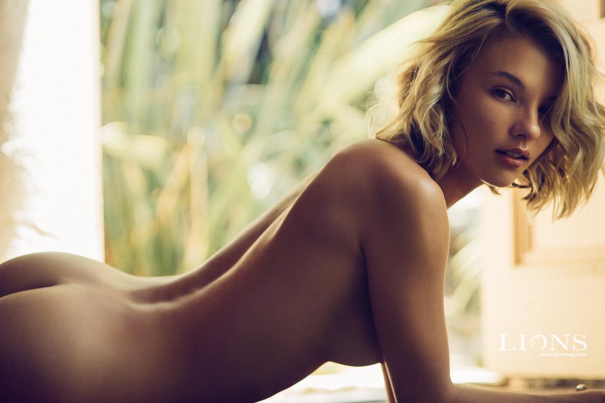 Rachel grant nude
