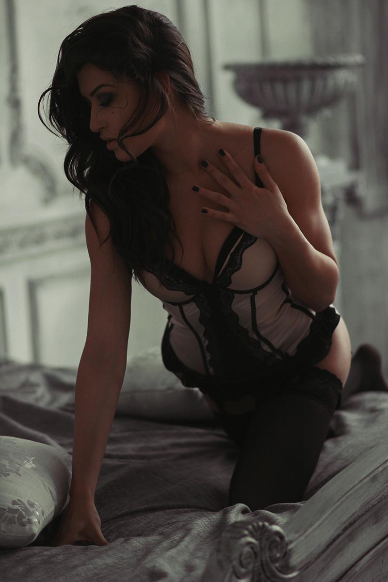 Ann Women  Sasha Smirnova photoshoot photographer lionsmag lingerie body   // lionsmag.com - premium nude photography magazine