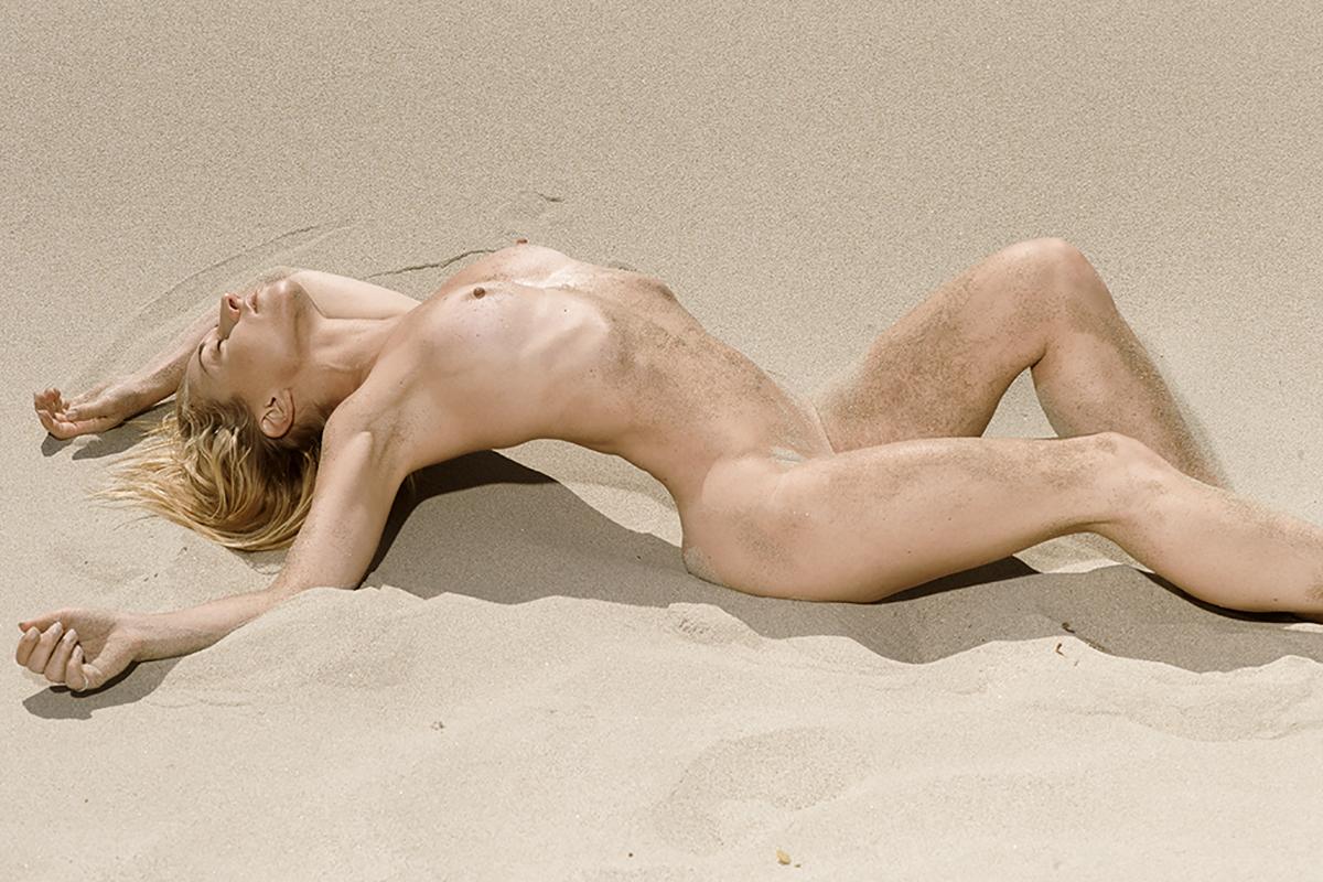 Hot skinny ruson women naked photos