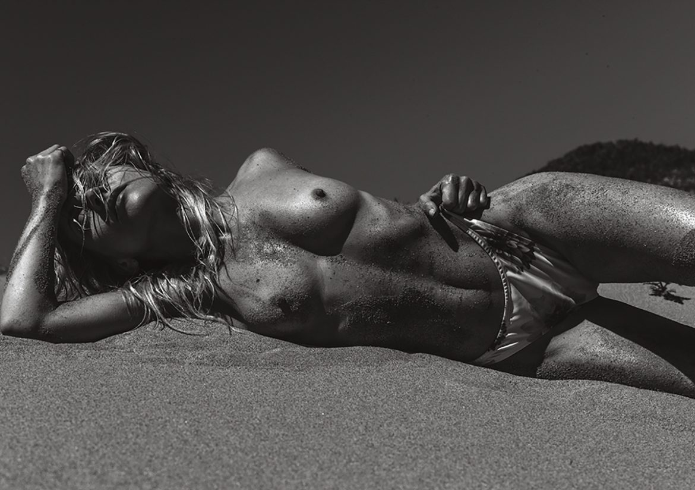 Lions nude art Magazine