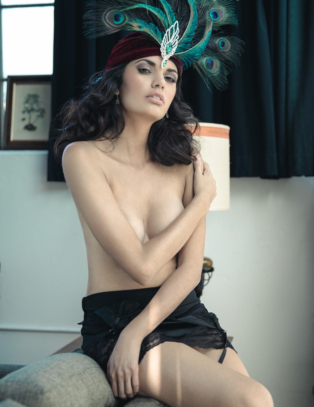 Amelia Racine model lingerie