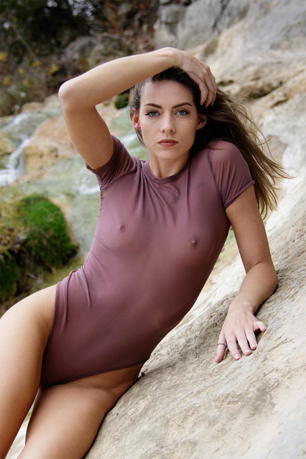 Feline Women    // lionsmag.com - premium nude photography magazine