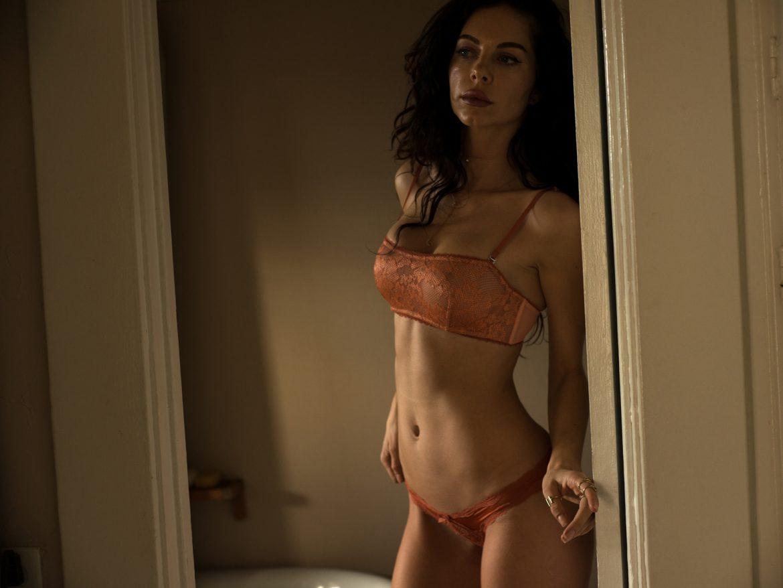 Meg Women    // lionsmag.com - premium nude photography magazine