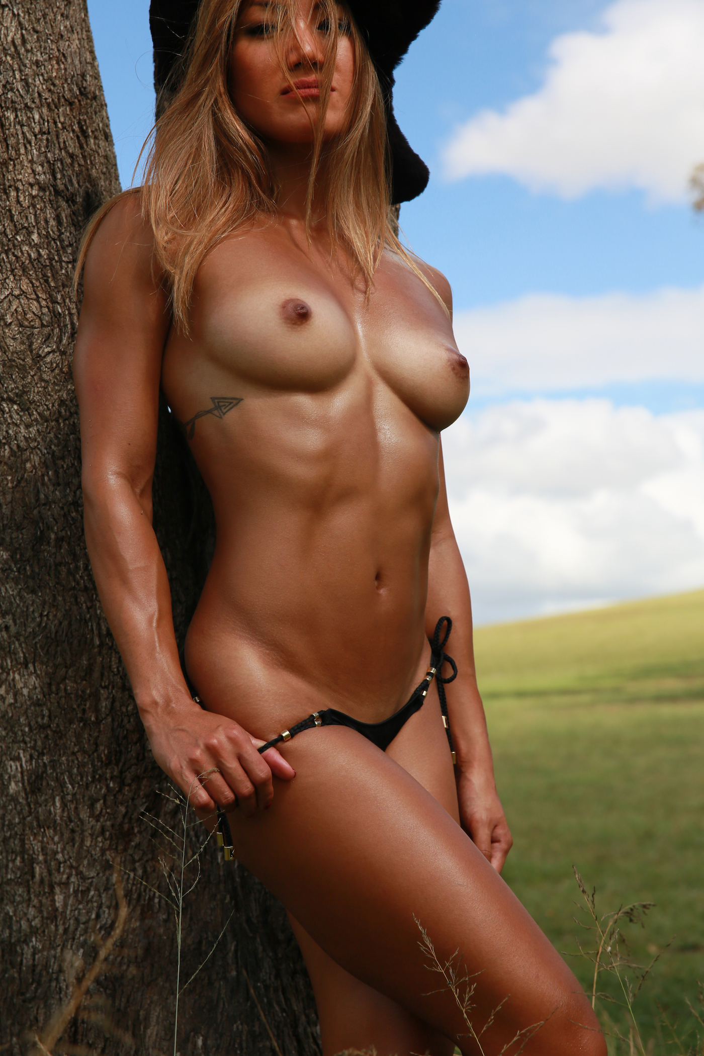 Nude women in the wild