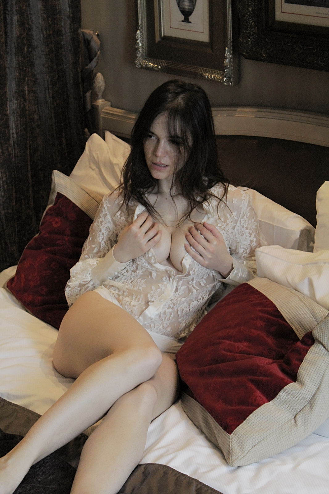 Fanny Women    // lionsmag.com - premium nude photography magazine