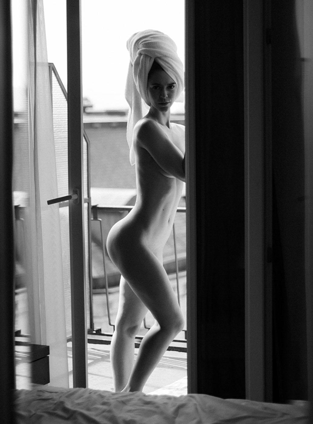Fanny Women  Fanny Beladona   // lionsmag.com - premium nude photography magazine