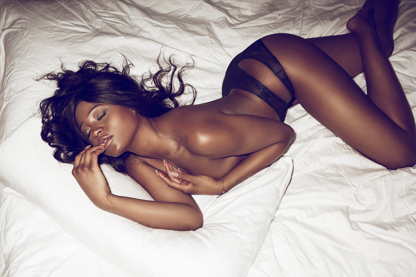 Danielle harris naked in few picture scenes