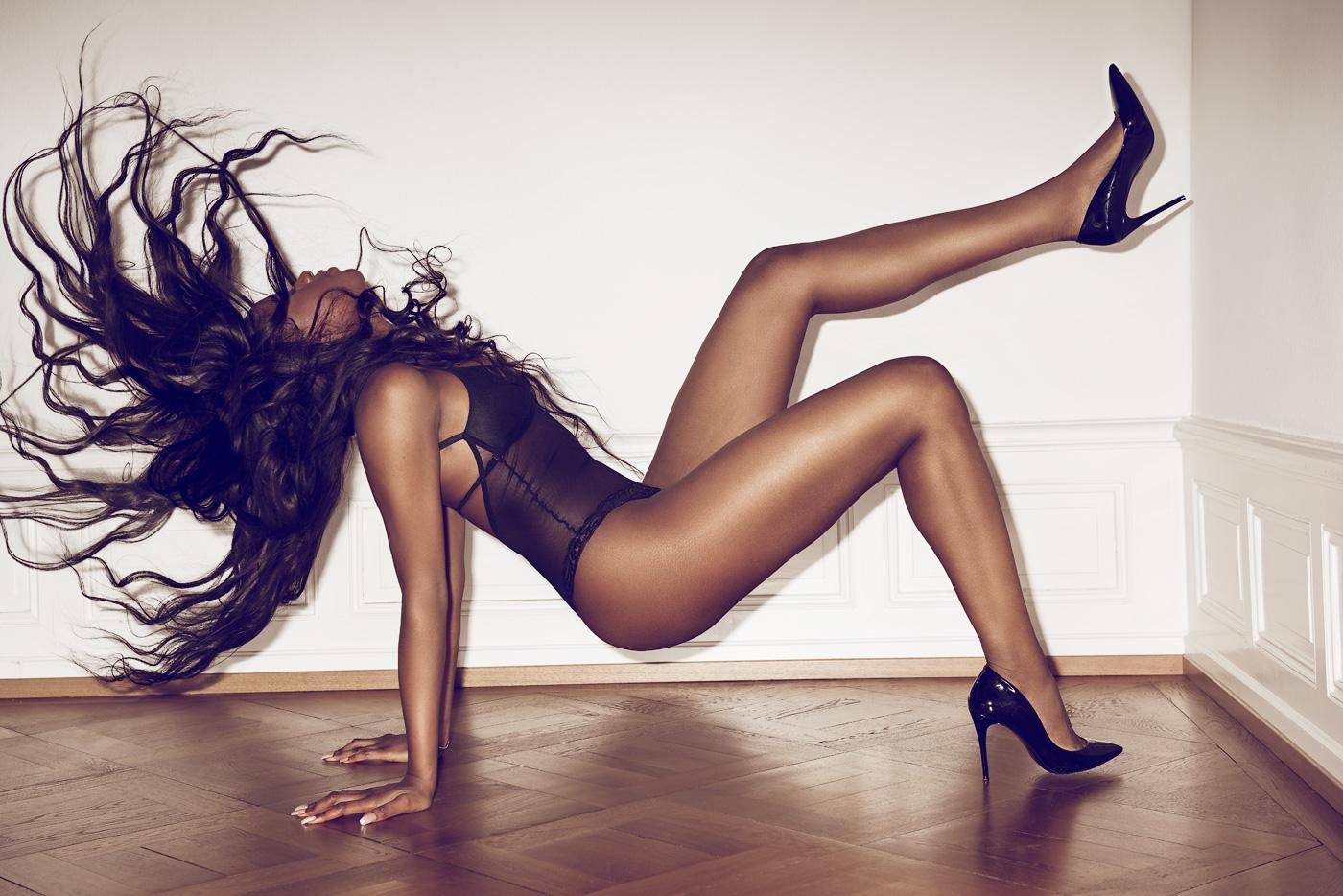 Sunday fais ce qu'il te play. Women    // lionsmag.com - premium nude photography magazine