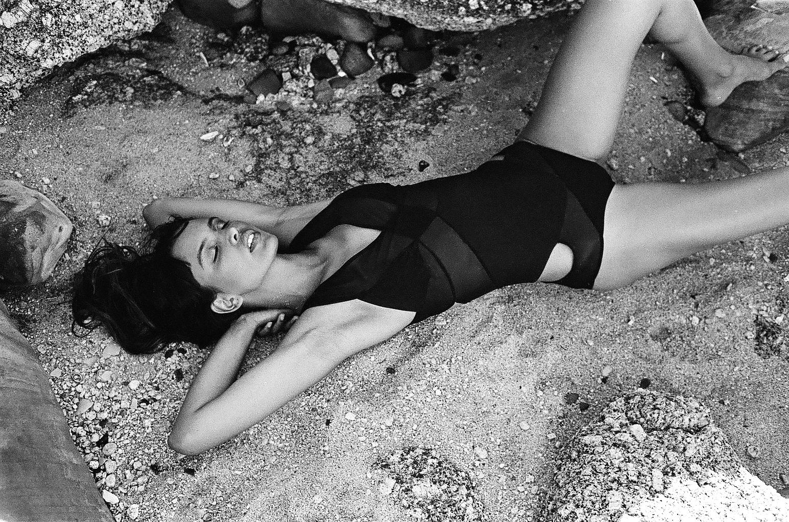 Helena Gomes bikini model