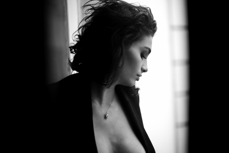 To forbid me is to incite me Women    // lionsmag.com - premium nude photography magazine