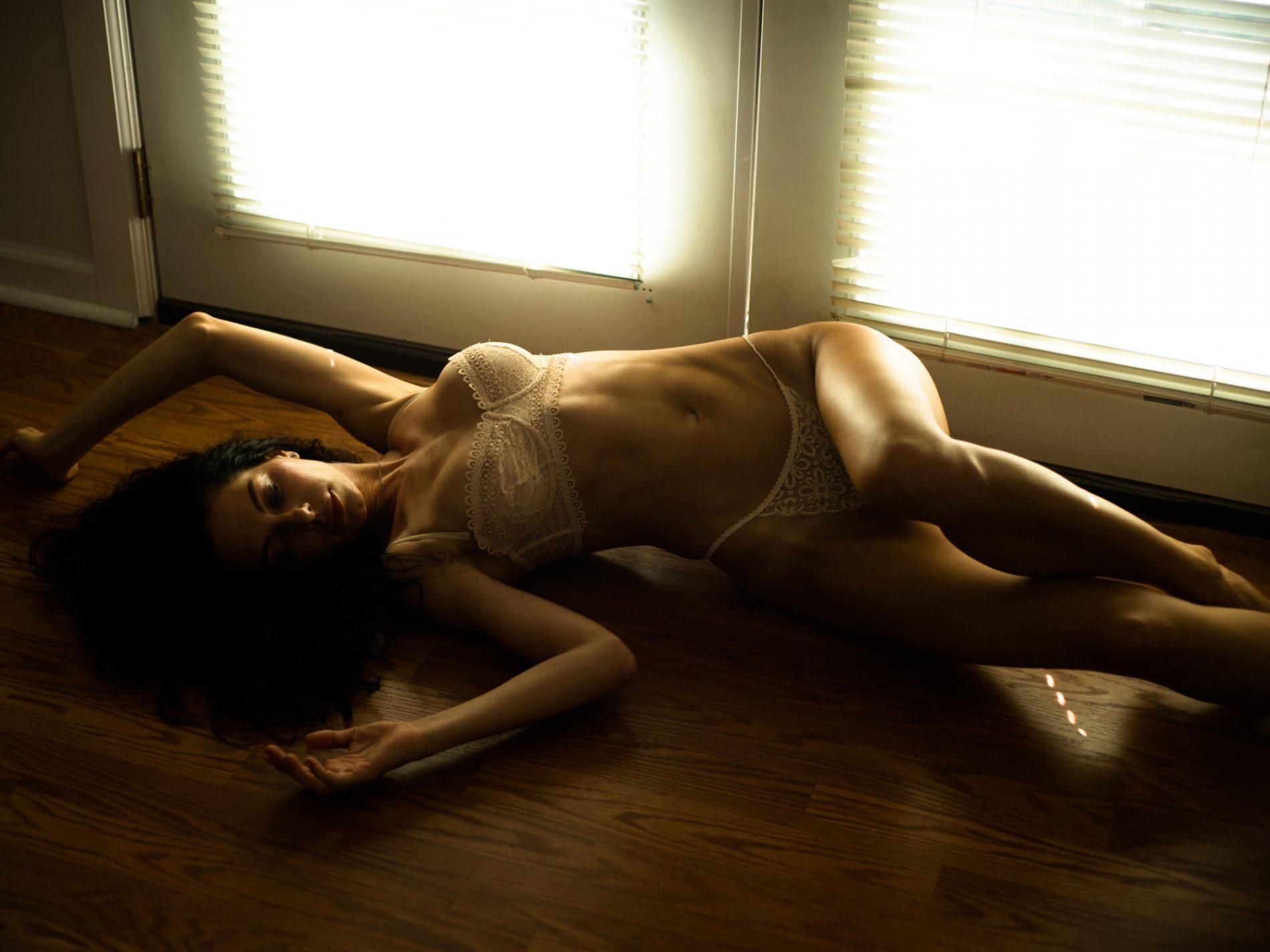 Daydream Believer Women    // lionsmag.com - premium nude photography magazine
